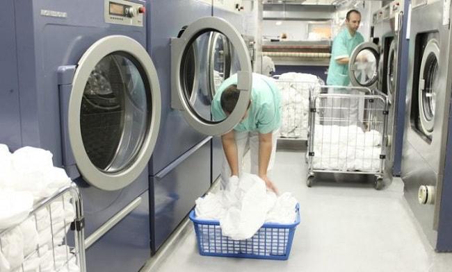 Thực hiện dịch vụ giặt đồ nhà hàng của chúng tôi