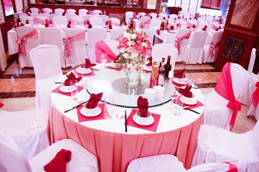 Giặt khăn bàn tiệc cưới Thành Phố Mới uy tín