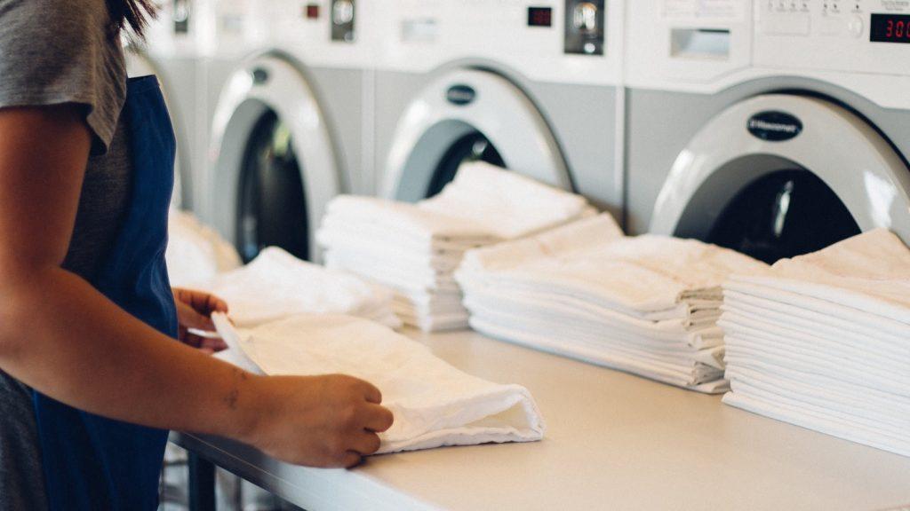 Chuyên giặt đồ khách sạn Dĩ An